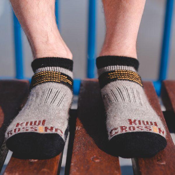 Ankle sock possum merino natural model bench